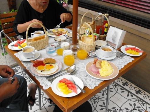 American Breakfast Set Menu